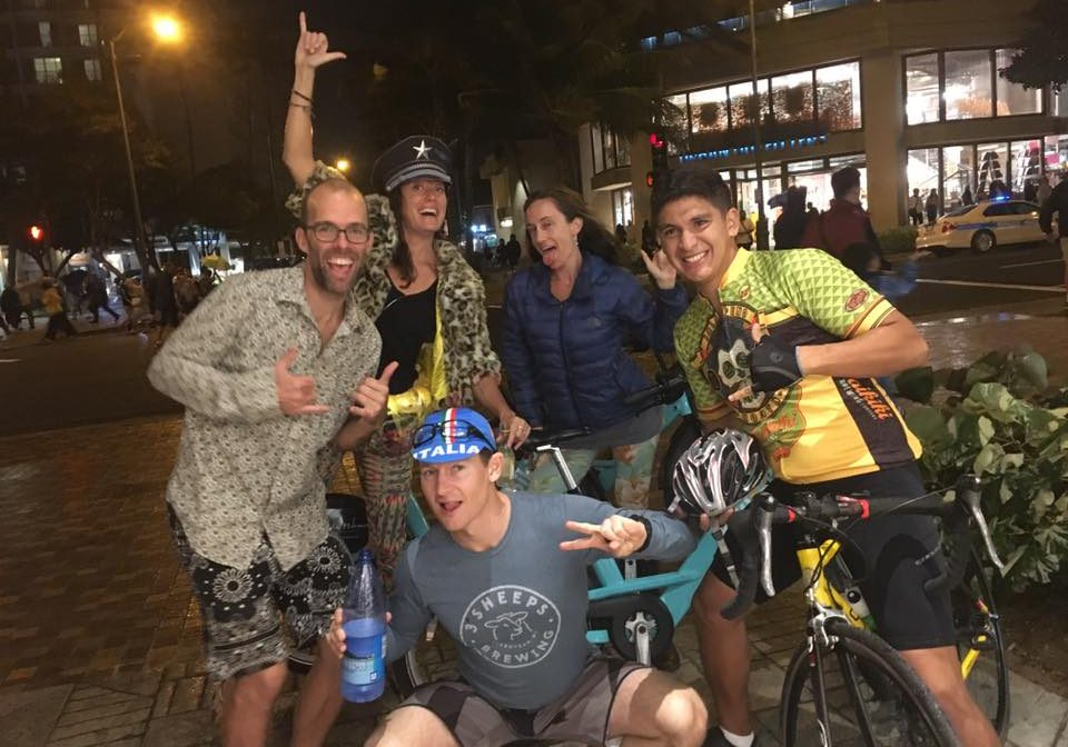 Lealyn recently began organizing group Biki rides to and from Barefoot Beach Cafe!